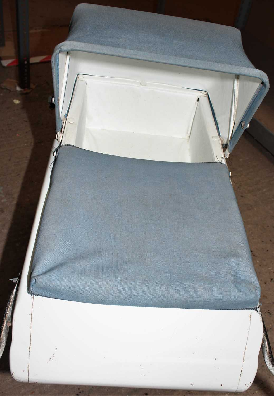 Triang dolls pram, circa mid 1960s in good condition for age, complete with original cover and hood. - Image 3 of 3