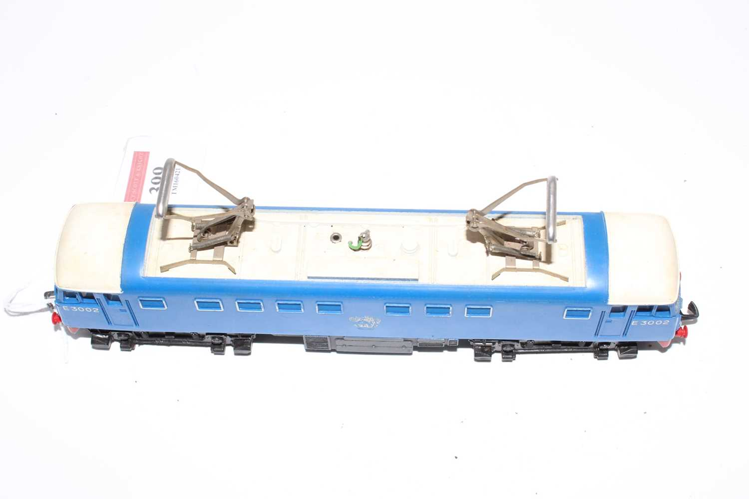 Hornby Dublo 3245 3300HP electric loco E3002, slight dullness to pantographs, silver totem rubbed - Image 6 of 6