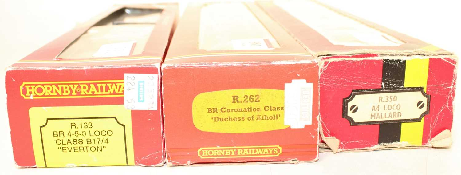 3 Hornby Locomotives and tenders to include R262 Duchess of Atholl, BR Green with alternative name - Image 3 of 3
