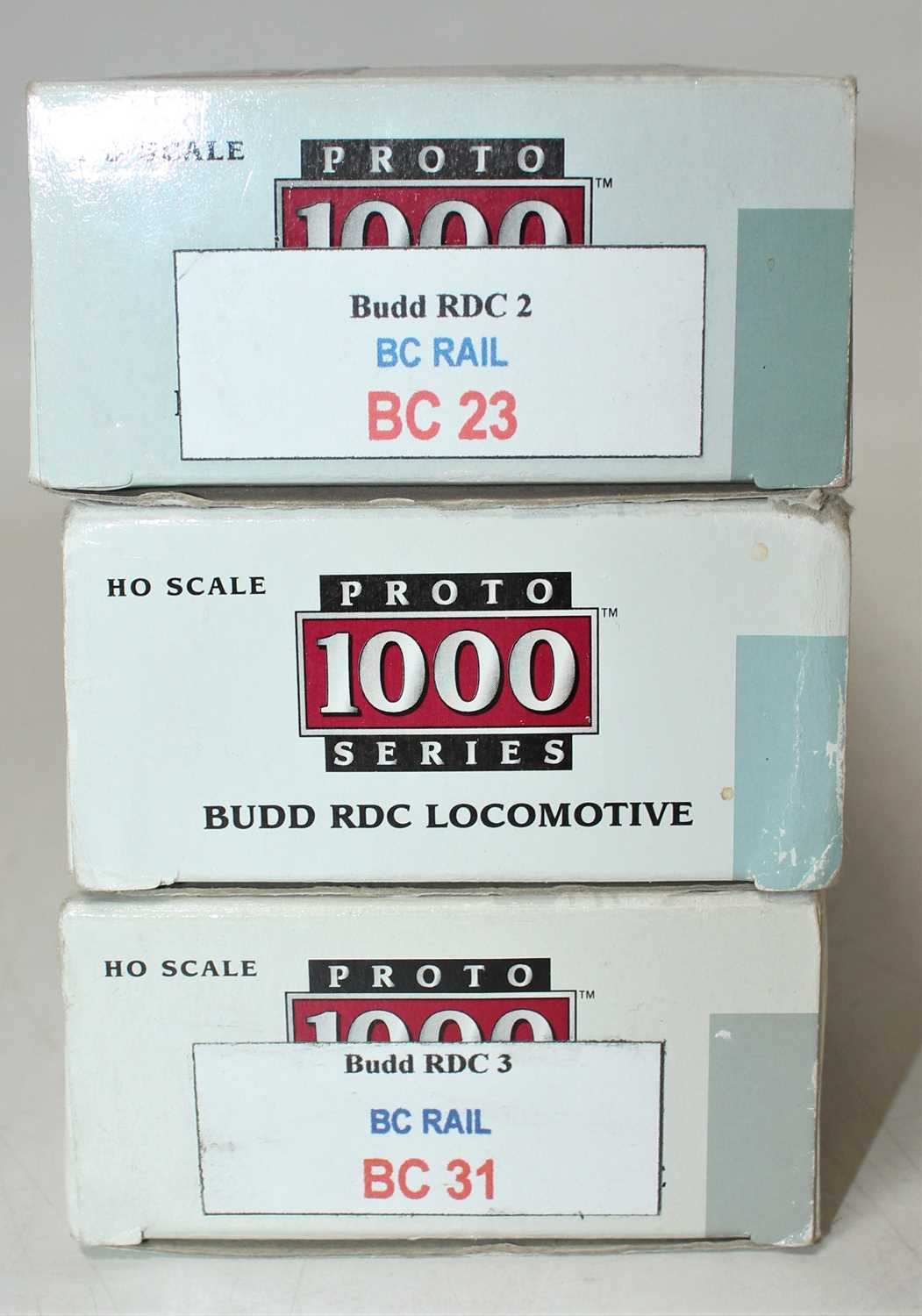 A Proto 1000 series H0 scale Budd RDC locomotive group to include a CP Rail 9100 Dayliner loco - Image 2 of 2