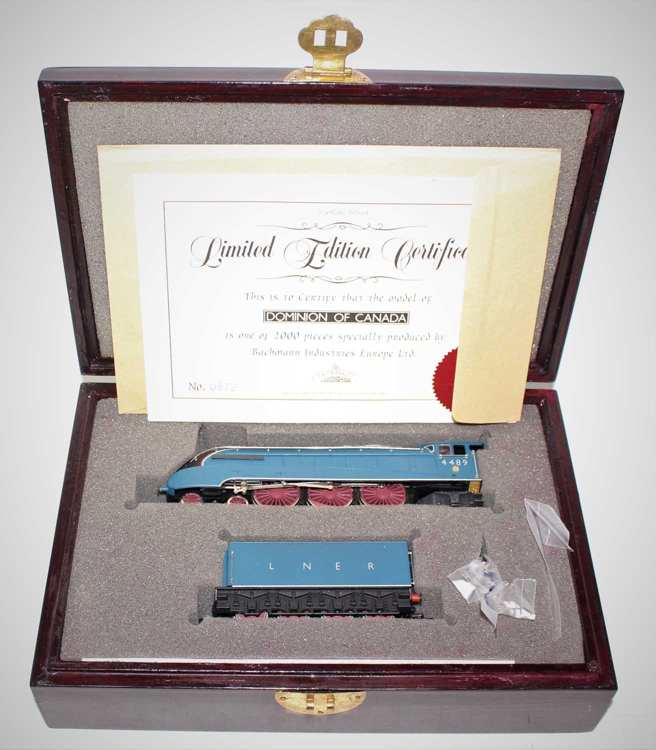 A Bachmann wooden presentation box with certificate containing a LNER Garter Blue Dominion of Canada