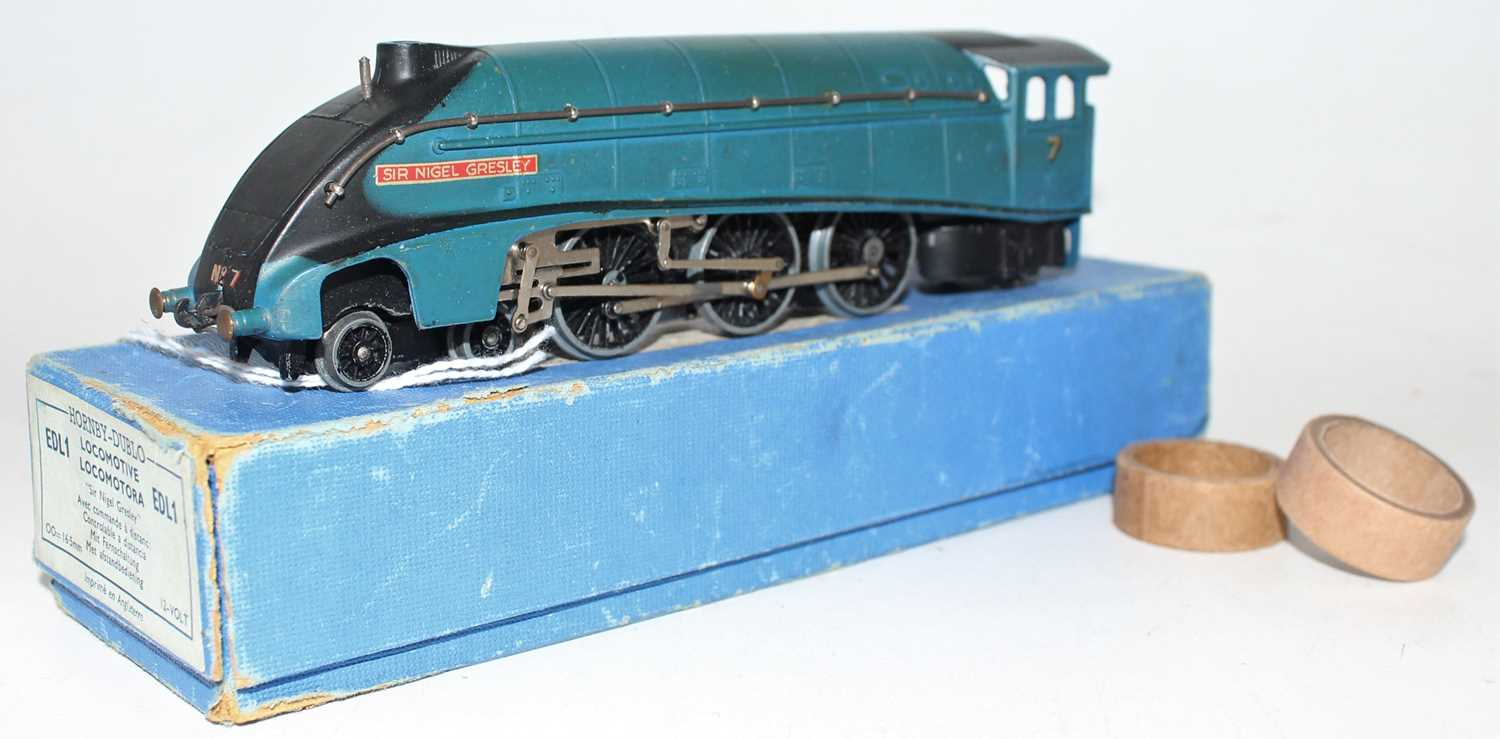 Hornby Dublo EDL1 4-6-2 A4 Locomotive Sir Nigel Gresley, blue, No.7 (VG-BVG) with unboxed LNER