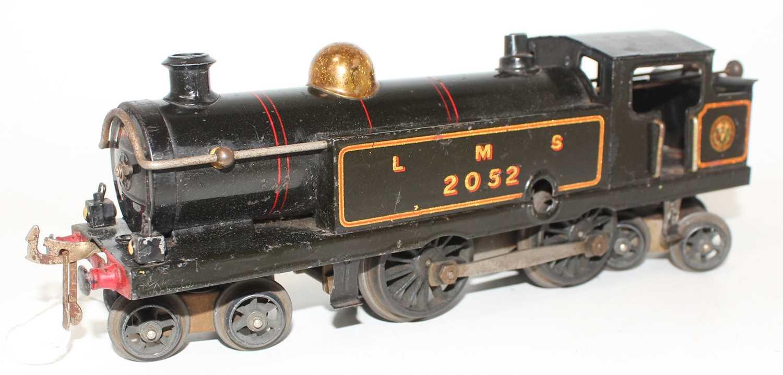 Hornby 1926-28 No.2 Clockwork 4-4-4 Tank Loco, LMS Black, 2052 crest on bunker, brass dome, five