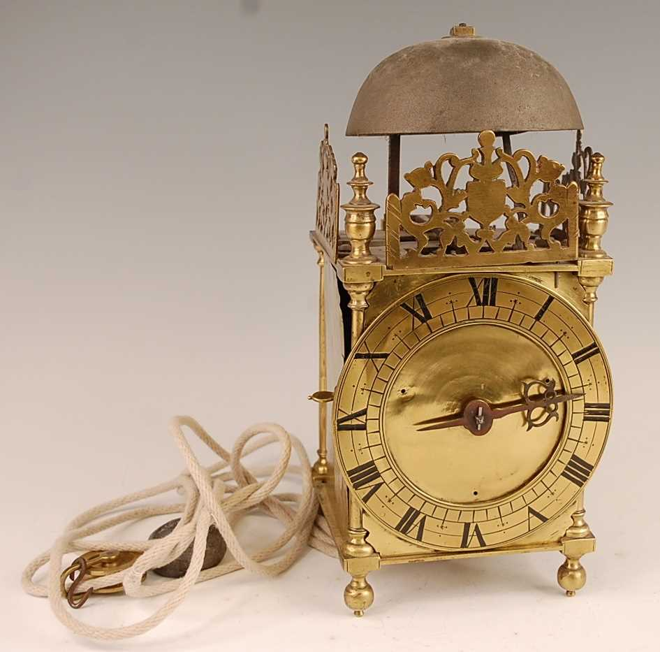 A Victorian brass lantern clock, having a fret-cut gallery over brass Roman chapter ring, single - Image 2 of 6