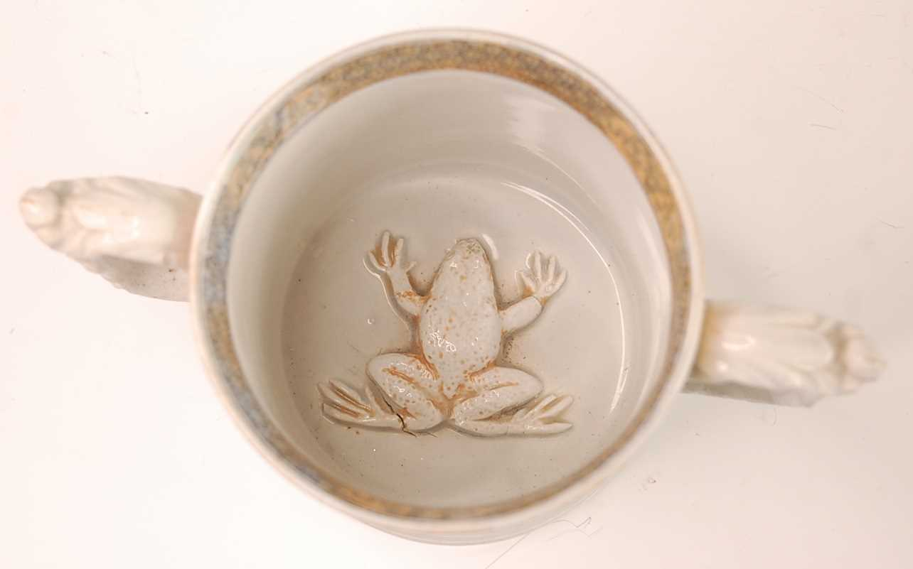 A Victorian Till & Sons ironstone loving 'frog' cup, decorated in the Chinese palette and heightened - Image 3 of 4