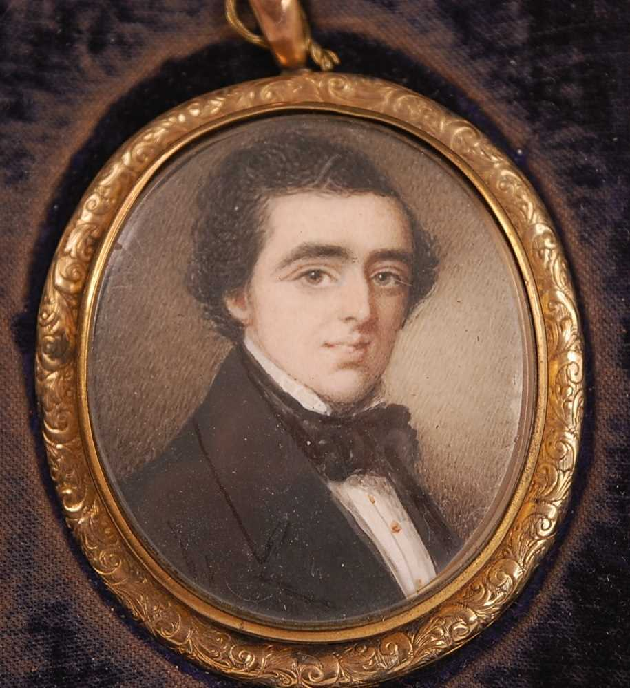 19th century English school - Bust portrait of a gentleman wearing a black tunic and silk ruff, - Image 3 of 5