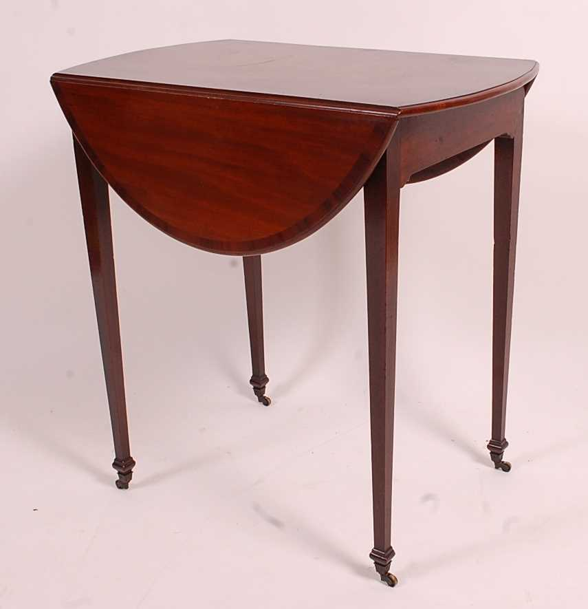 A George III mahogany Pembroke table, having a rosewood crossbanded top above a single end frieze - Image 3 of 3