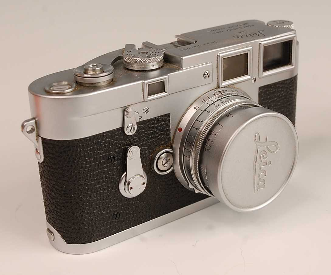 A Leica M3 35mm Rangefinder camera, serial number M3-732262, with F=5cm 1:2 lens numbered 1254728, - Image 2 of 8