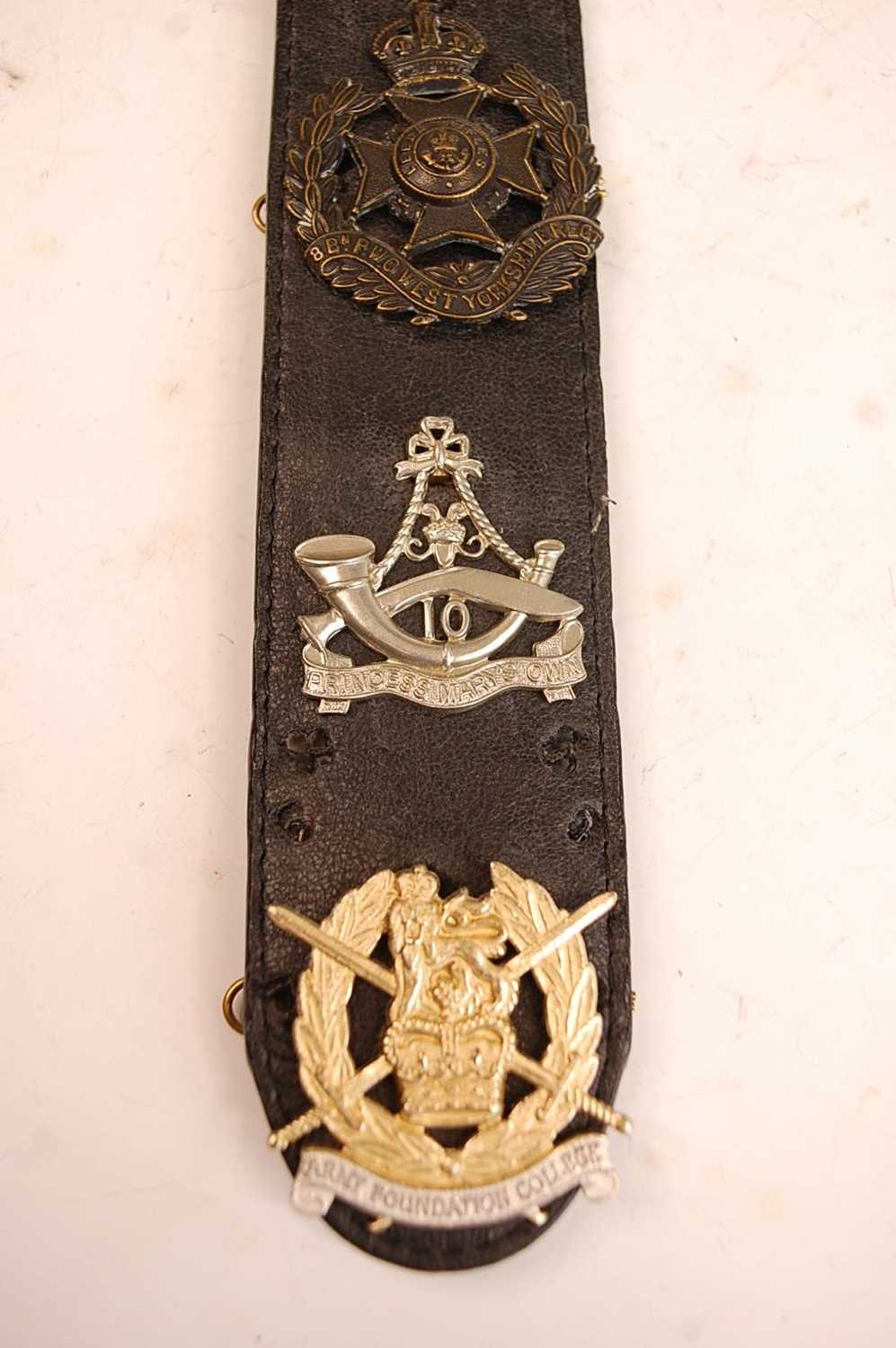 A collection of British Army Regiments cap badges and insignia to include East Surrey, Cornwall, 1st - Image 2 of 8