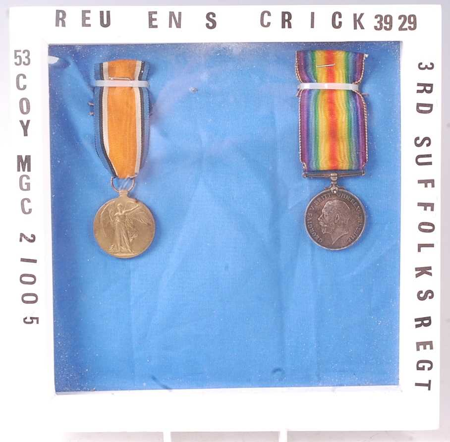 A WW I British War and Victory pair, naming 3929 PTE. R.S. CRICK. M.G.C. (2)