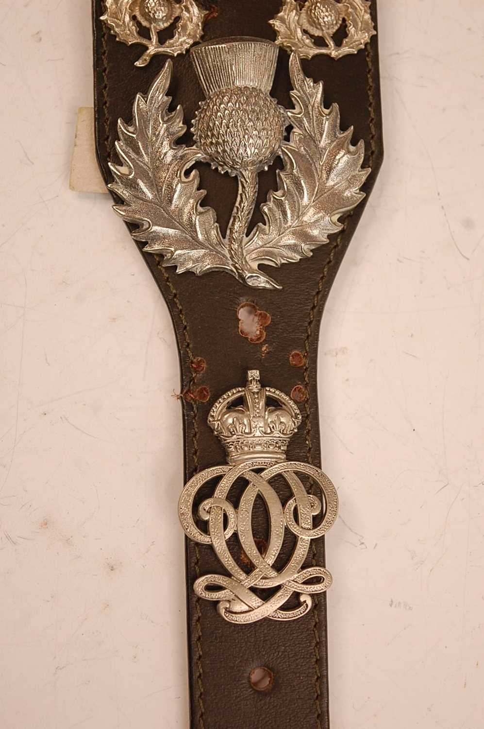 A collection of cap badges, glengarry badges and insignia to include Cornwall, Corps of - Image 6 of 7