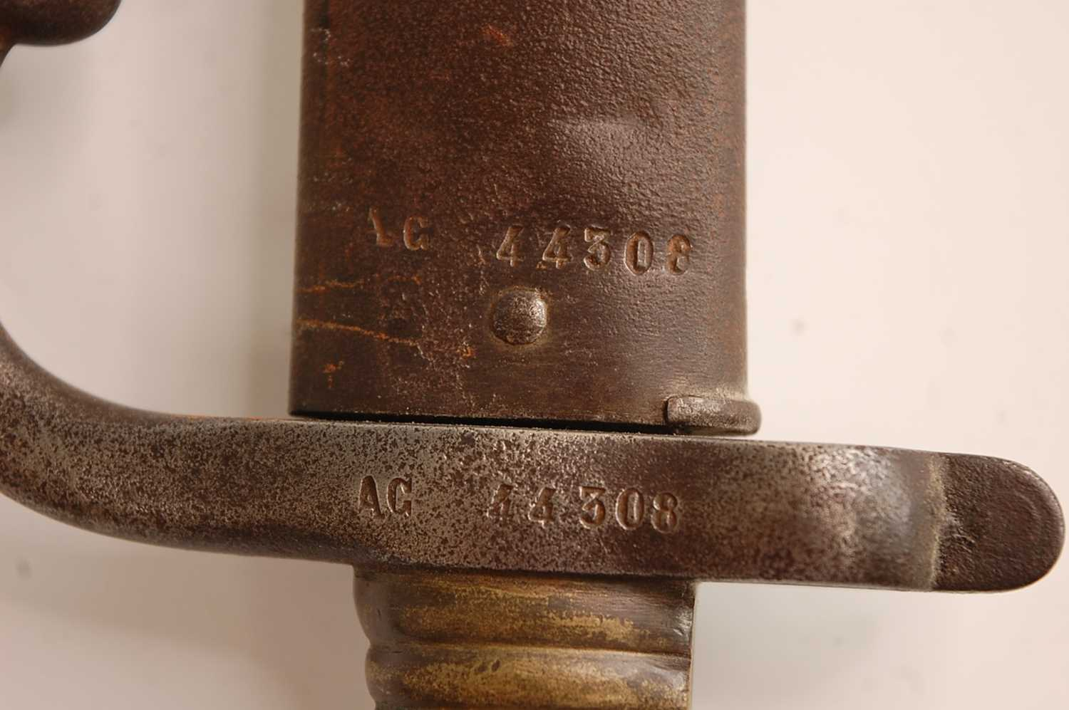 A French model 1866 Chassepot bayonet, the 57cm Yataghan shaped blade etched to the back edge Mre d' - Image 2 of 12