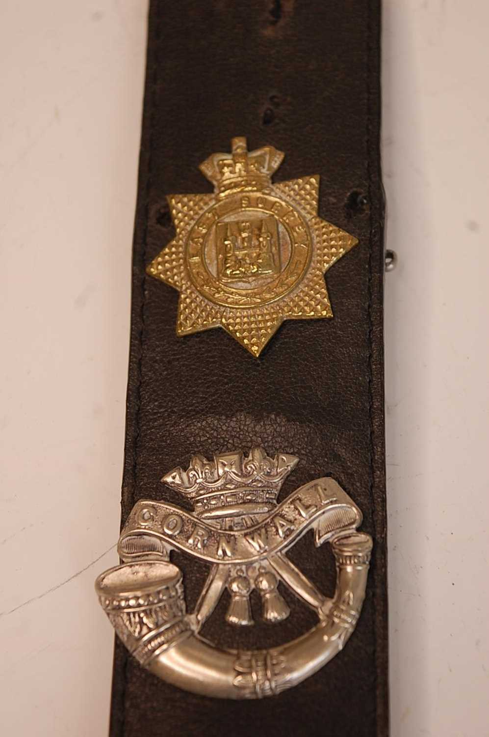 A collection of British Army Regiments cap badges and insignia to include East Surrey, Cornwall, 1st - Image 8 of 8