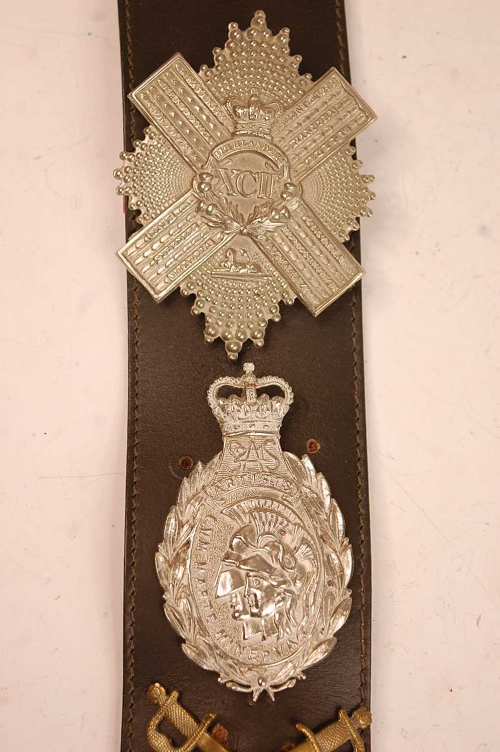 A collection of cap badges, glengarry badges and insignia to include Cornwall, Corps of - Image 4 of 7