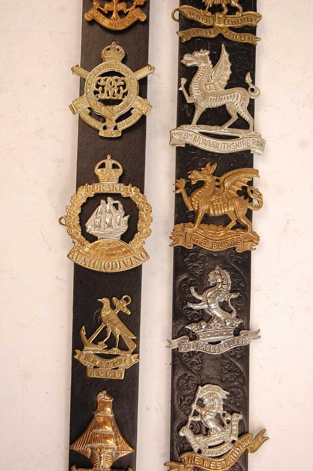 A collection of cap badges and insignia to include 7/11th Hussars, 3rd King's Own Hussars, West - Image 5 of 7