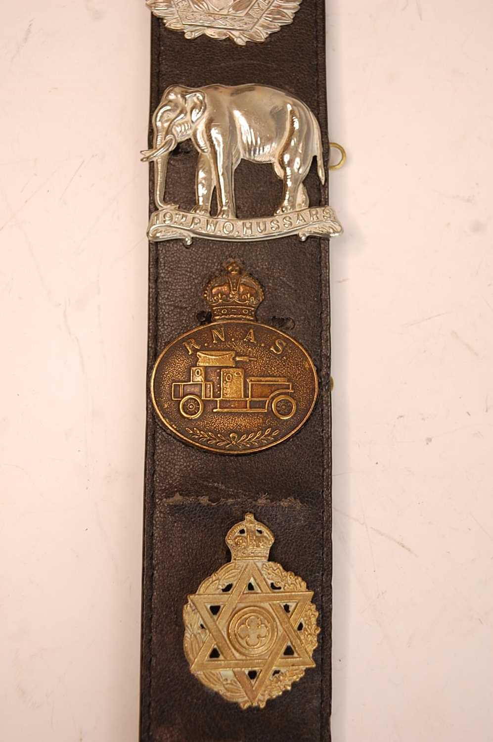 A collection of British Army Regiments cap badges and insignia to include East Surrey, Cornwall, 1st - Image 5 of 8