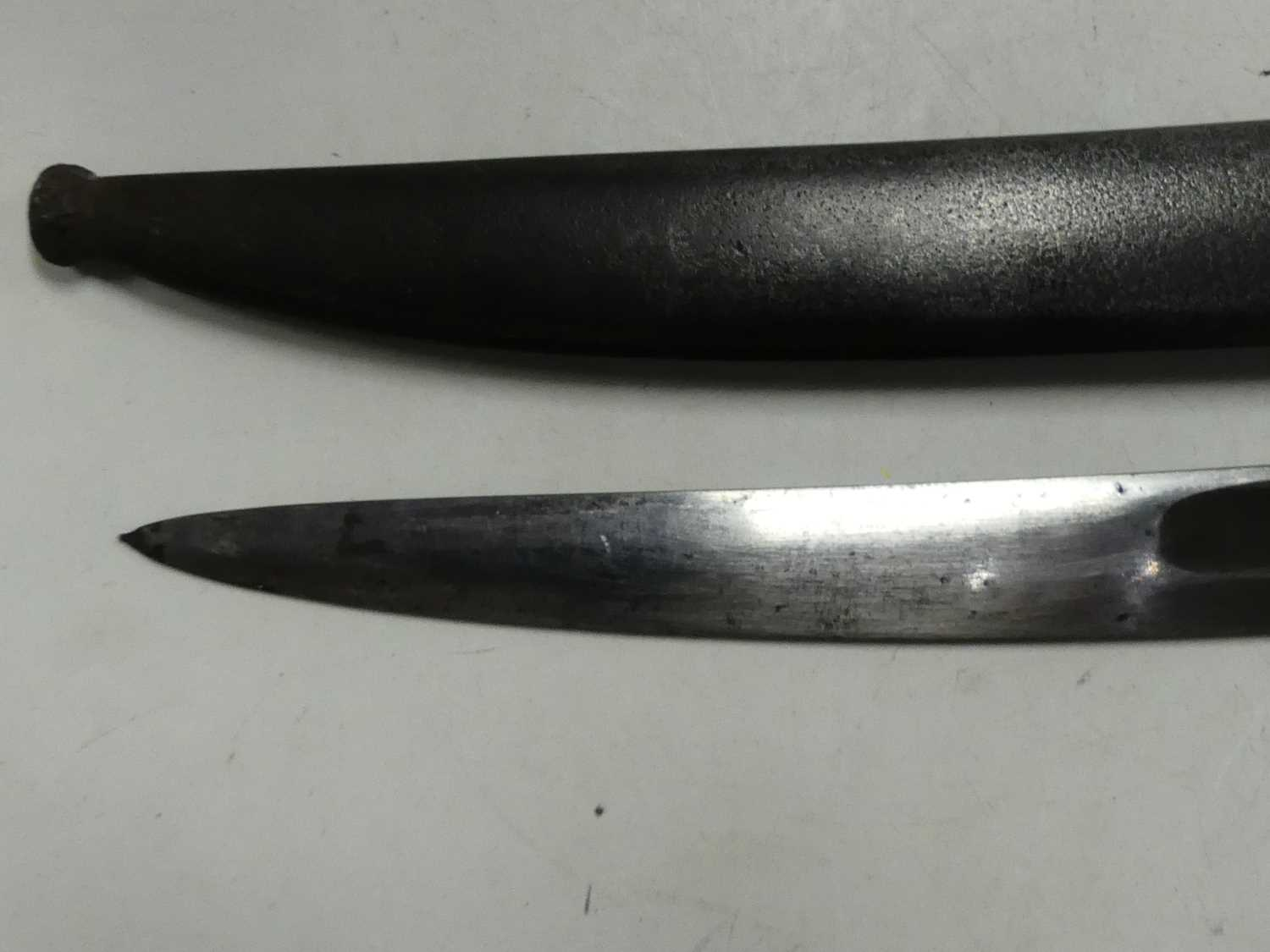 A French model 1866 Chassepot bayonet, the 57cm Yataghan shaped blade etched to the back edge Mre d' - Image 9 of 12