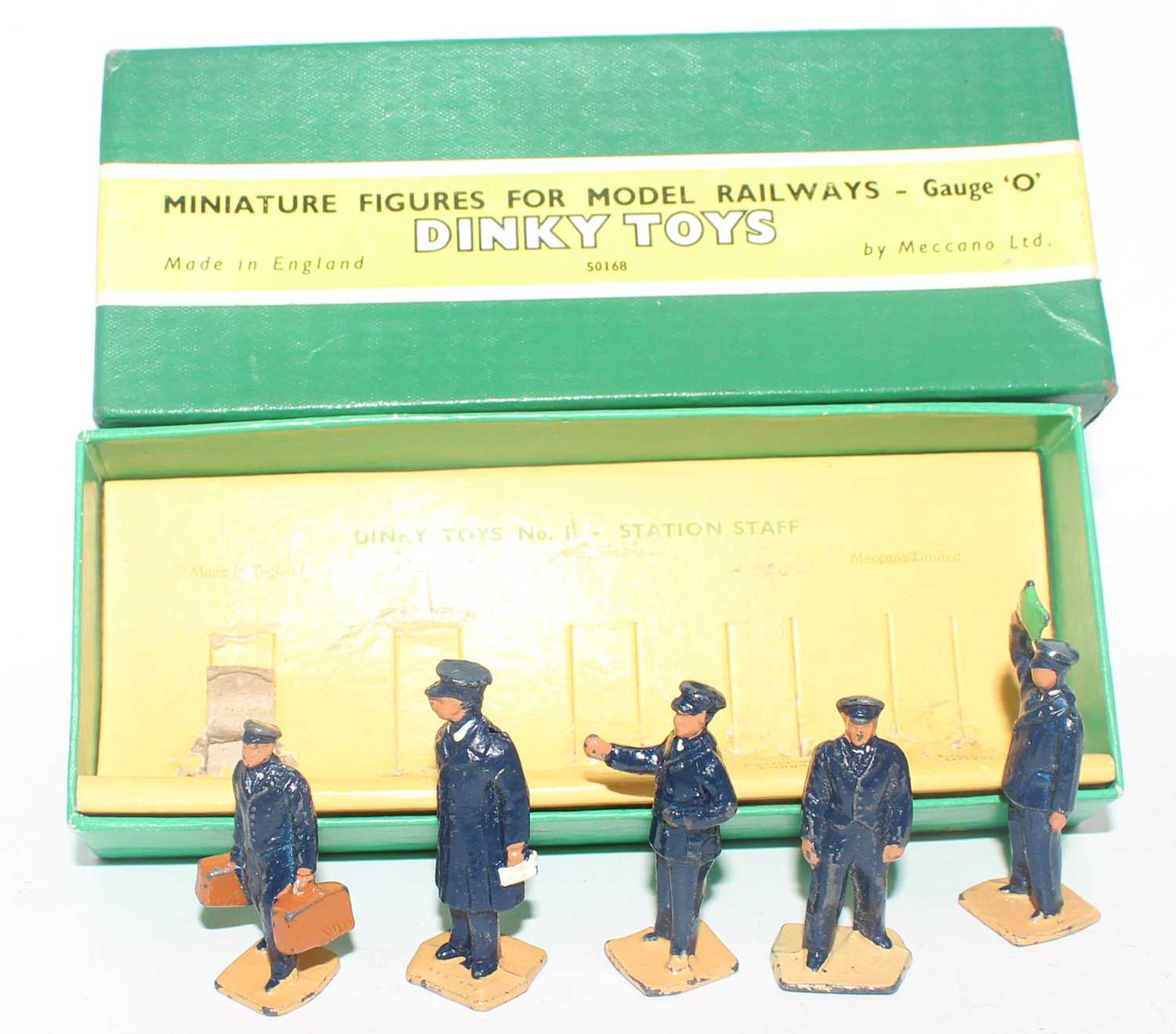 Dinky Toys miniature for model railways 0 gauge gift set No. 001 station staff, housed in the