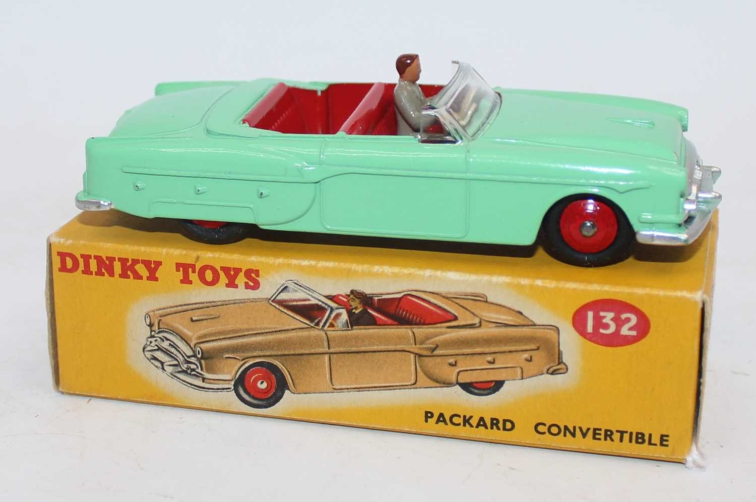 Dinky Toys 132 Packard Convertible with green body, red interior and hubs and driver comes with - Image 2 of 2