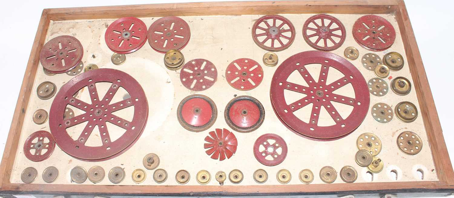 Four trays containing a quantity of mixed red and brass, and black 1950s and later Meccano, mixed - Image 5 of 5
