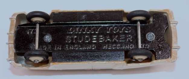 A Dinky Toys 172 Studebaker Land Cruiser with cream lower body, tan upper body, beige hubs and comes - Image 3 of 3