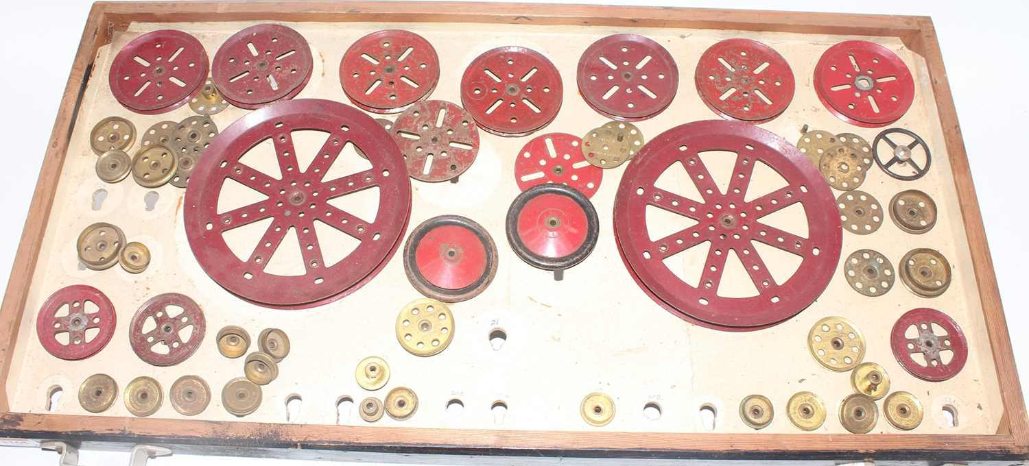 Four trays containing a quantity of mixed red and brass, and black 1950s and later Meccano, mixed - Image 3 of 5