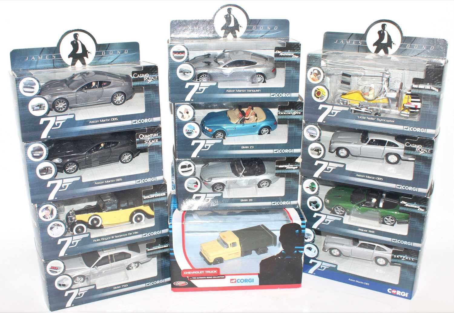 12 various boxed Corgi James Bond modern release diecast vehicles and accessories, to include