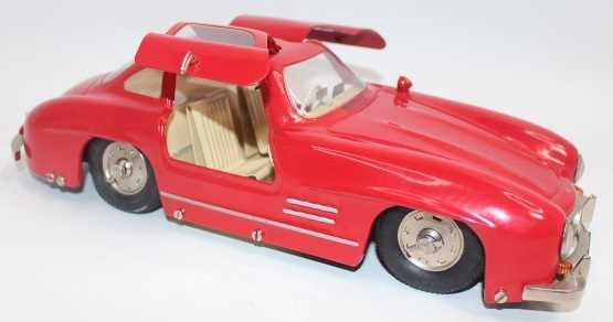 Marklin, large scale tinplate clockwork Mercedes 300SL Sports Car, red, opening gull-wing doors, - Image 2 of 3