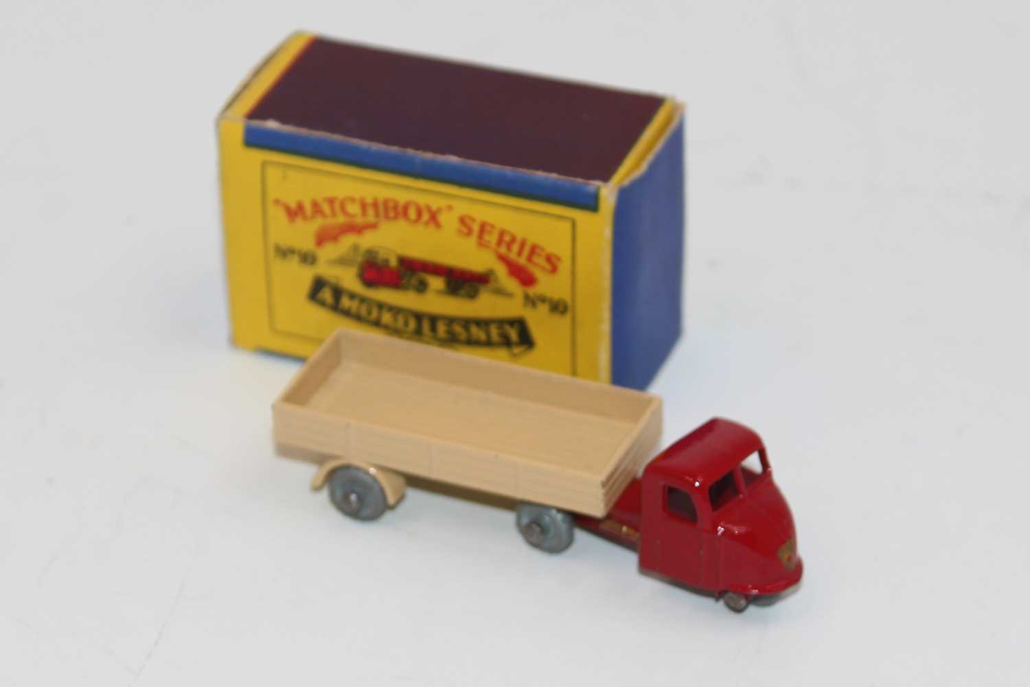 Matchbox Moko Lesney 10b Scammell Scarab Mechanical Horse & Trailer, dark red tractor unit, gold - Image 2 of 2