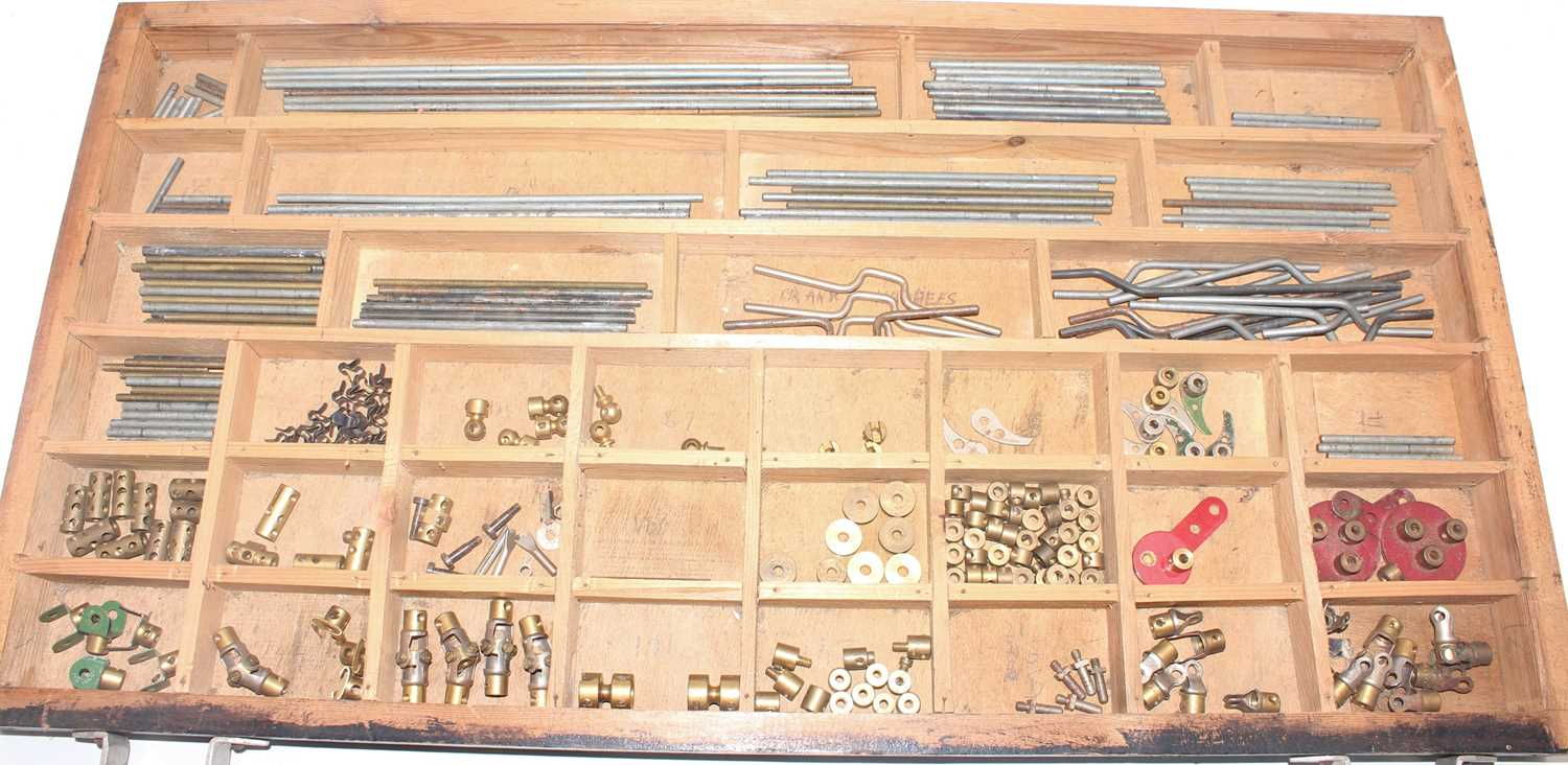 Four trays containing a quantity of mixed red and brass, and black 1950s and later Meccano, mixed - Image 4 of 5