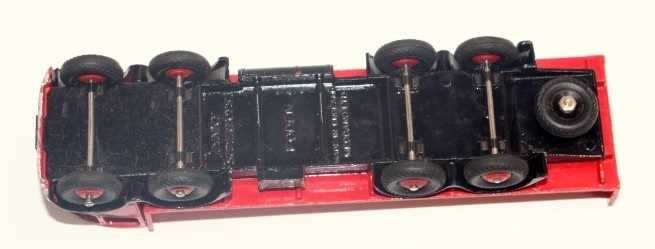 Dinky Toys No.503 Foden flat truck with tailboard, with a red cab and black flash, red back and - Image 3 of 3