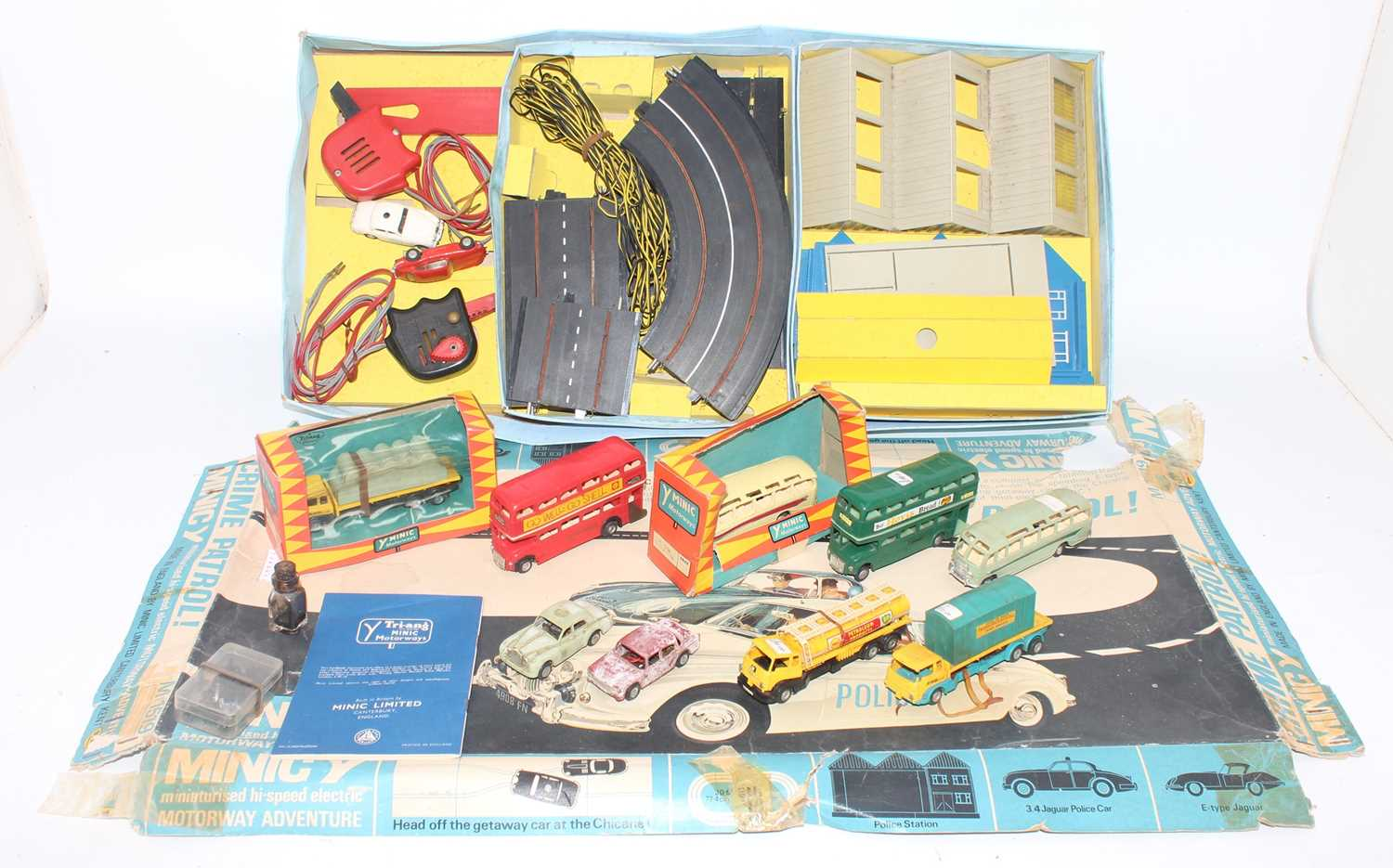 A large quantity of Minic and Matchbox slot racing and motorised track accessories and components to - Image 2 of 4
