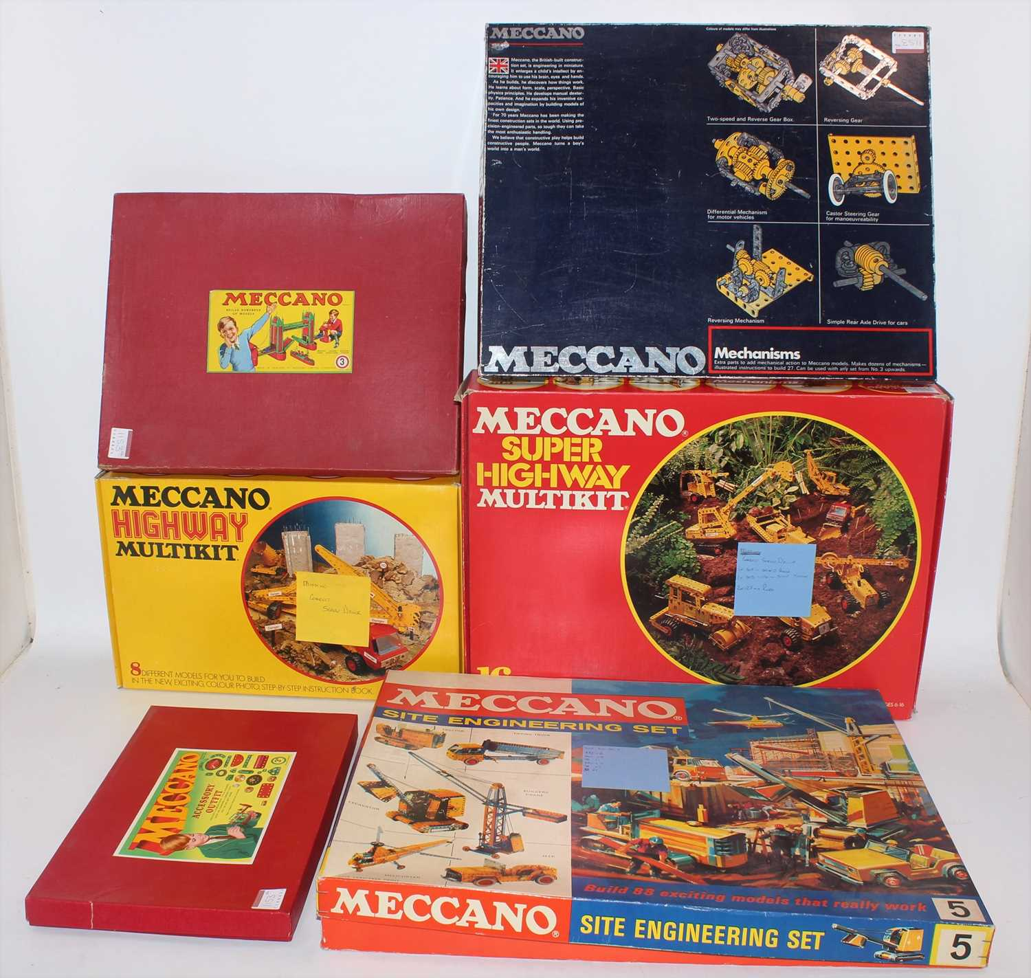A collection of Meccano mixed issue construction kits and empty boxes to include a Meccano Super