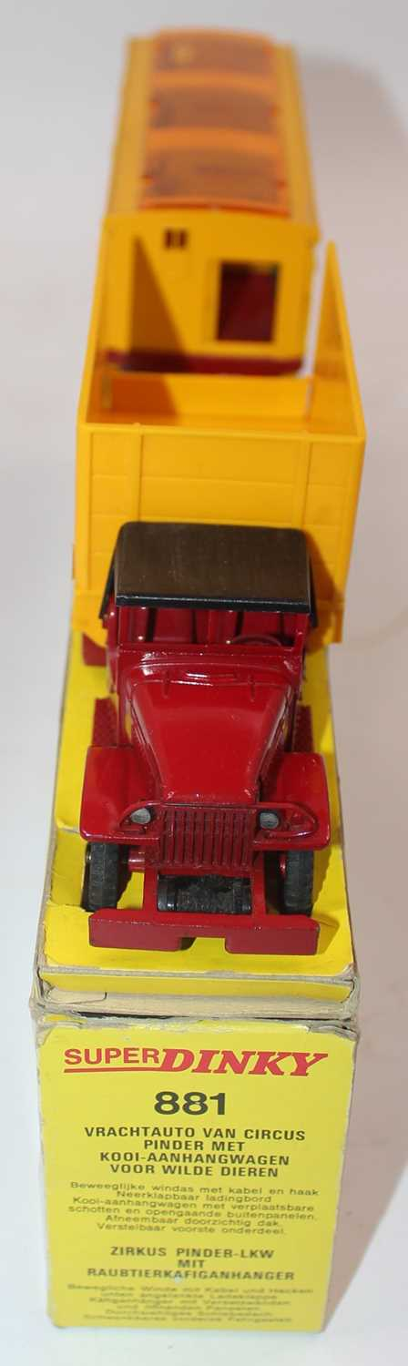 """Original French Dinky No.881 GMC Circus Lorry and Trailer """"Pinder"""", comprising of GMC Truck, - Image 4 of 4"""