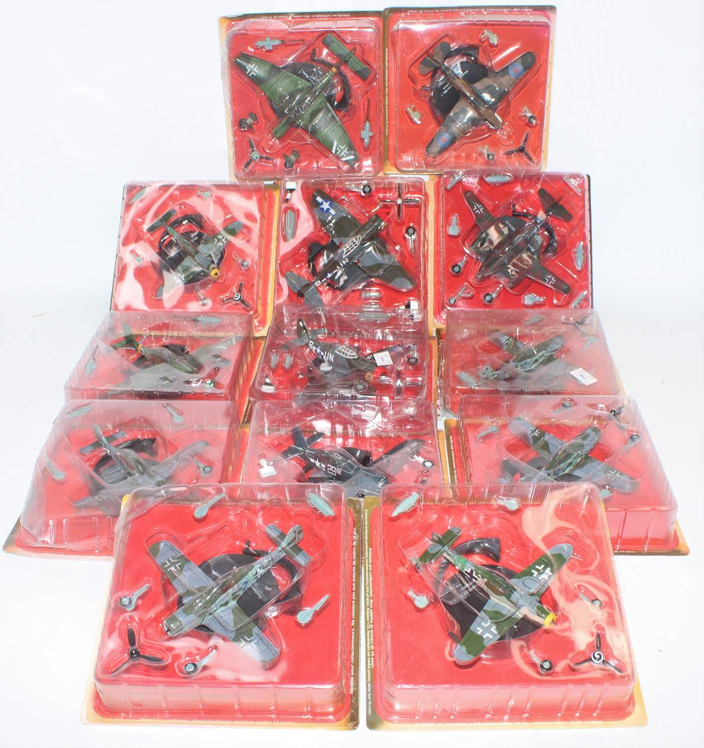 Thirty-eight various blister packed Altaya mixed scale diecast aircraft, all appear as issued, mixed - Image 3 of 5