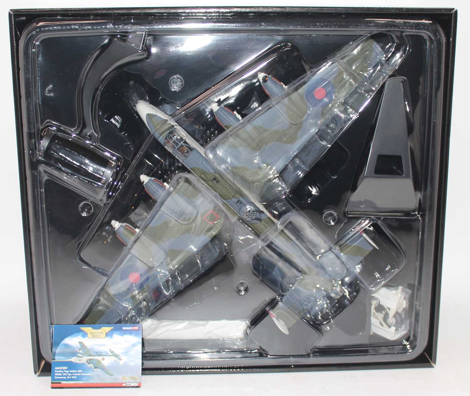 A Corgi Aviation Archive model No. AA37207 1/72 scale limited edition model of a Handley Page - Image 2 of 2