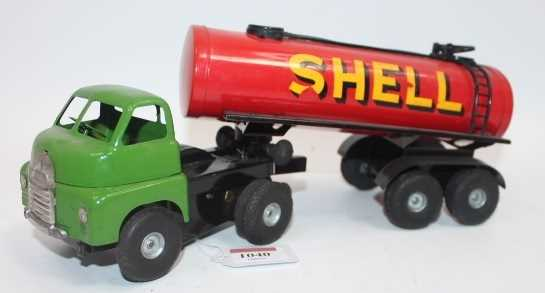 """Triang Minic 3143 No.3 """"Push-n-Go"""" Articulated Shell Tanker, large scale pressed steel model with"""