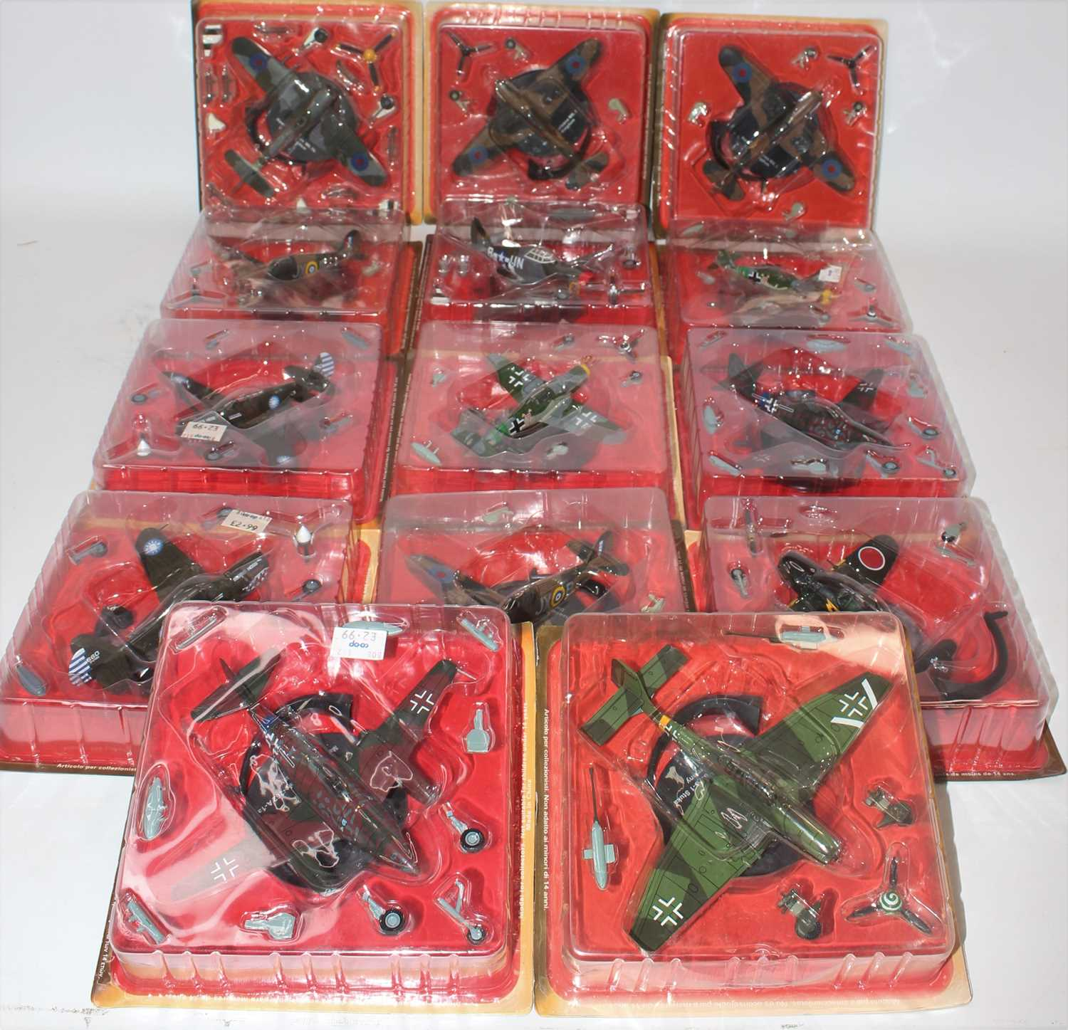 Thirty-eight various blister packed Altaya mixed scale diecast aircraft, all appear as issued, mixed - Image 2 of 5
