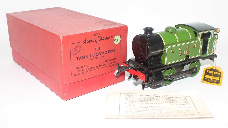 1947-54 Hornby No. 101 0-4-0 clockwork tank loco LNER 460 lined green, Brunofix rods, small