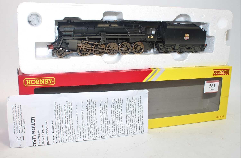 Hornby R3356 Class 9F Crosti boiler 2-10-0 loco and tender BR weathered black 92021 (M-BM)