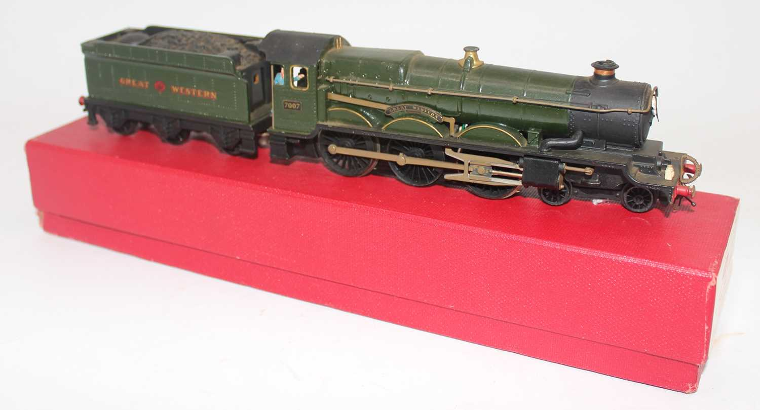 Hornby Dublo 2-rail Castle Class loco and tender totally repainted GW gloss green as 'Great Western' - Image 2 of 3