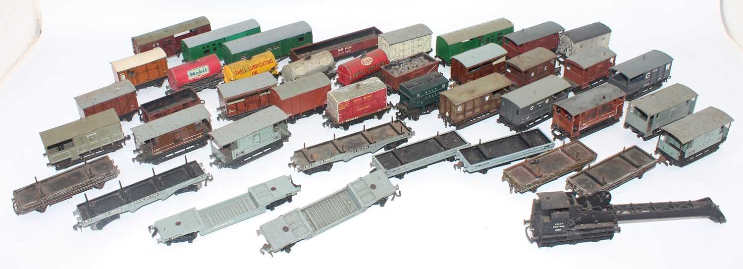 42 mainly Hornby Dublo assorted wagons, not all complete, some weathered, some suitable for spares