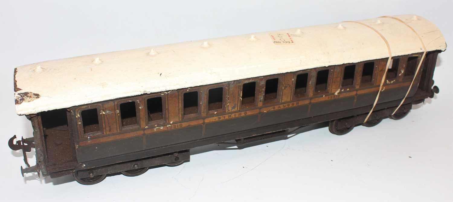 Gauge 1 unidentified make, but could be Marklin dining car no. 13210, 2 x 6 wheel bogies, one