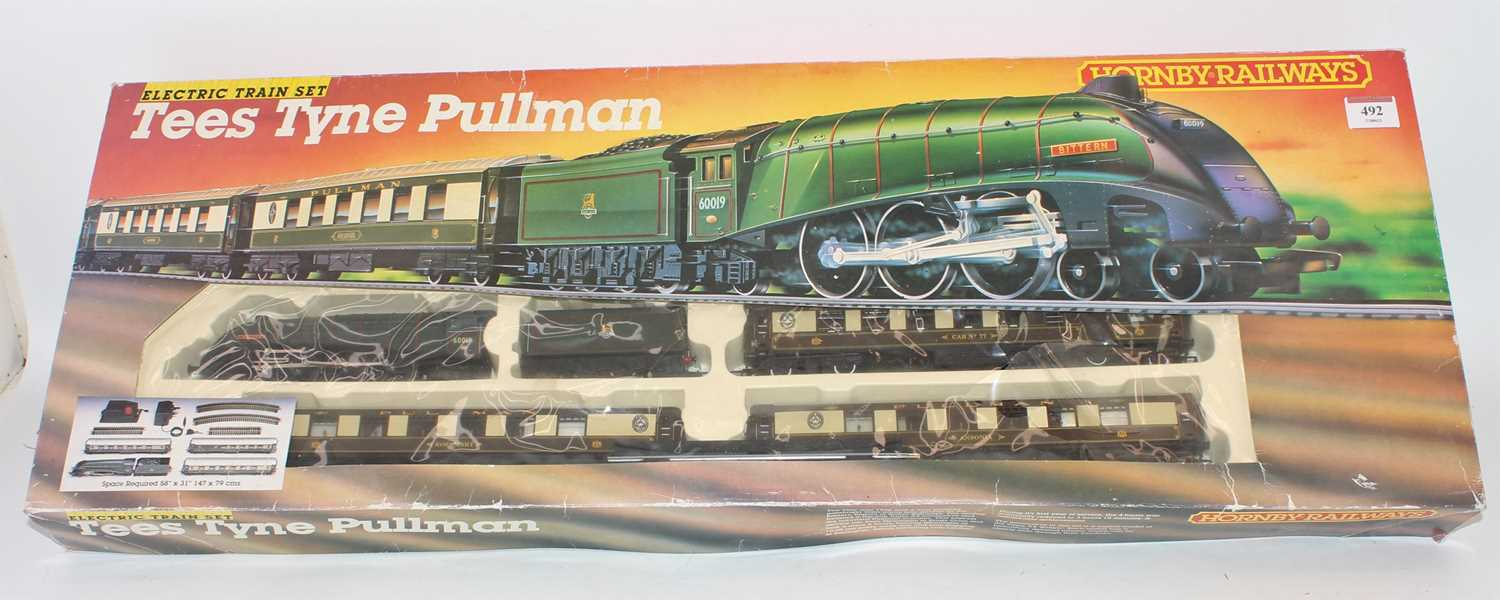 Hornby (Margate) Tyne Tees Pullman R770 set comprising Bittern A4 loco and tender, 3 Pullman