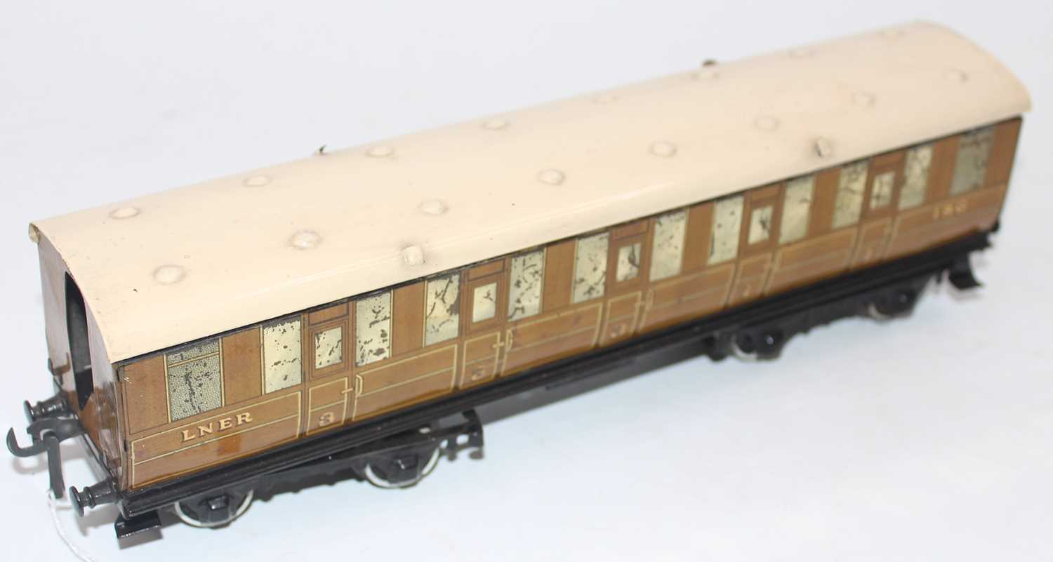 1937-41 Hornby no. 2 corridor coach NE 1st/3rd, a few marks and some deterioration to silvering,