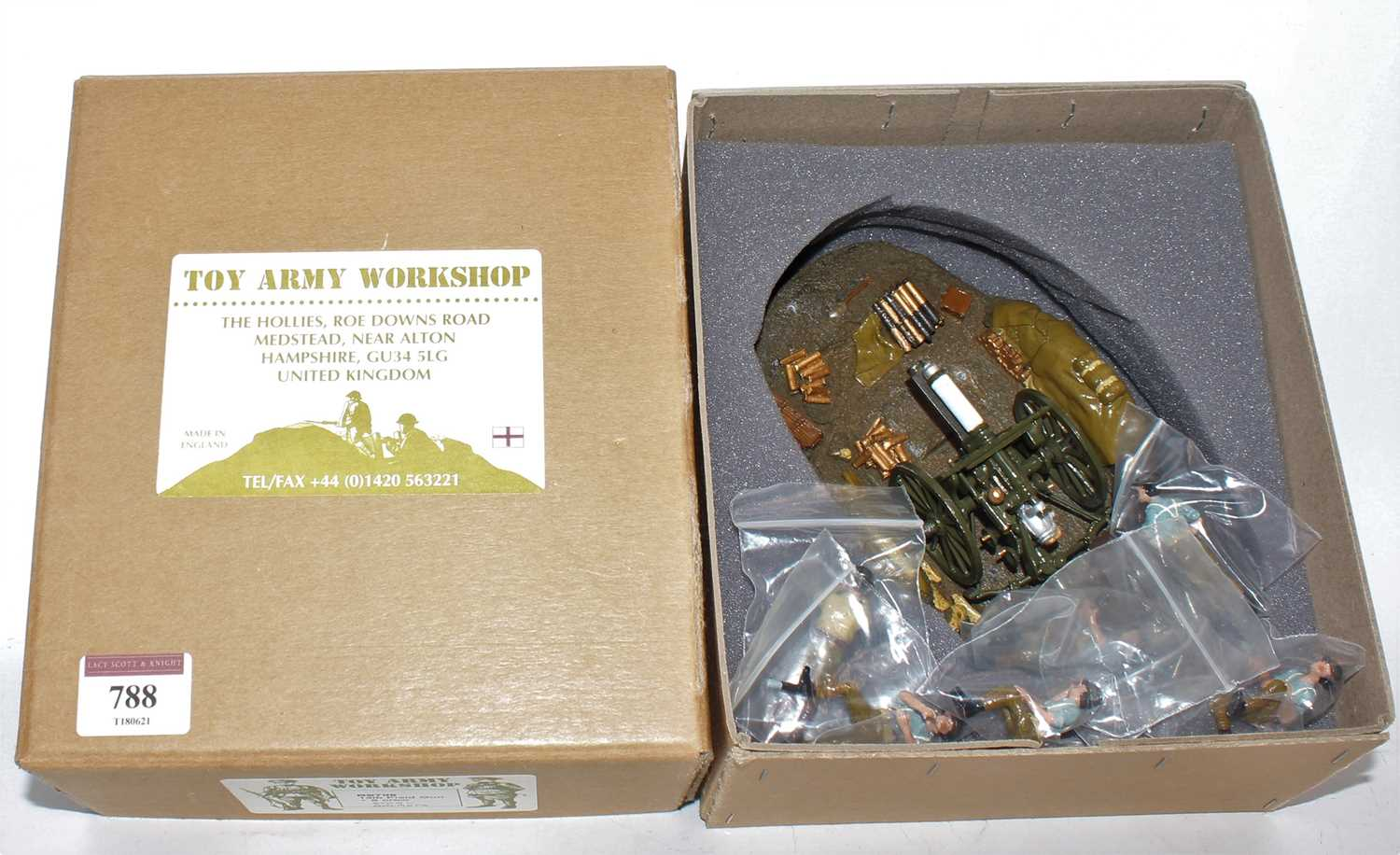 The Toy Army Workshop Made in England white metal model No. BS706 13lb field gun and six crew gift