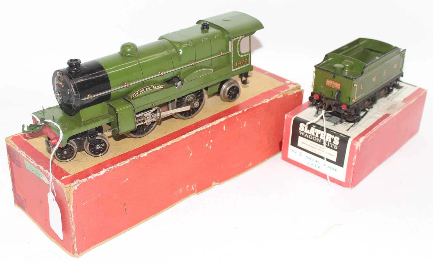 Hornby no. 3 loco and tender Flying Scotsman. Vendor advises converted to clockwork from electric,