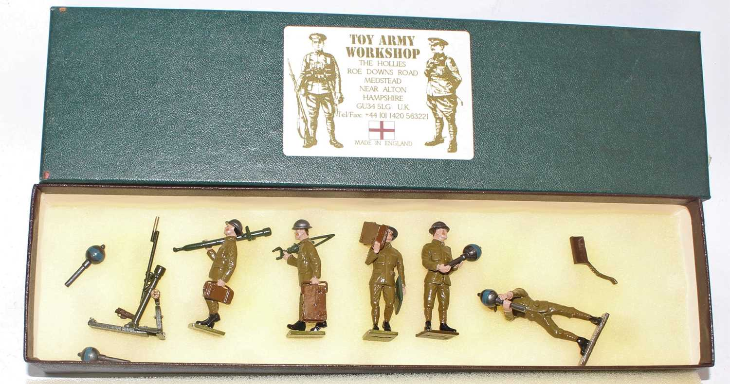 A Toy Army Workshop of the United Kingdom, white metal No. BS40, British Infantry moving Stokes
