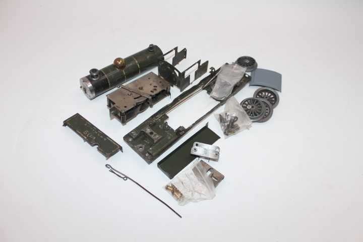 Dismantled 1928-9 Hornby no. 2 tank loco, Southern Green B604, brass dome, c/w with wheels,