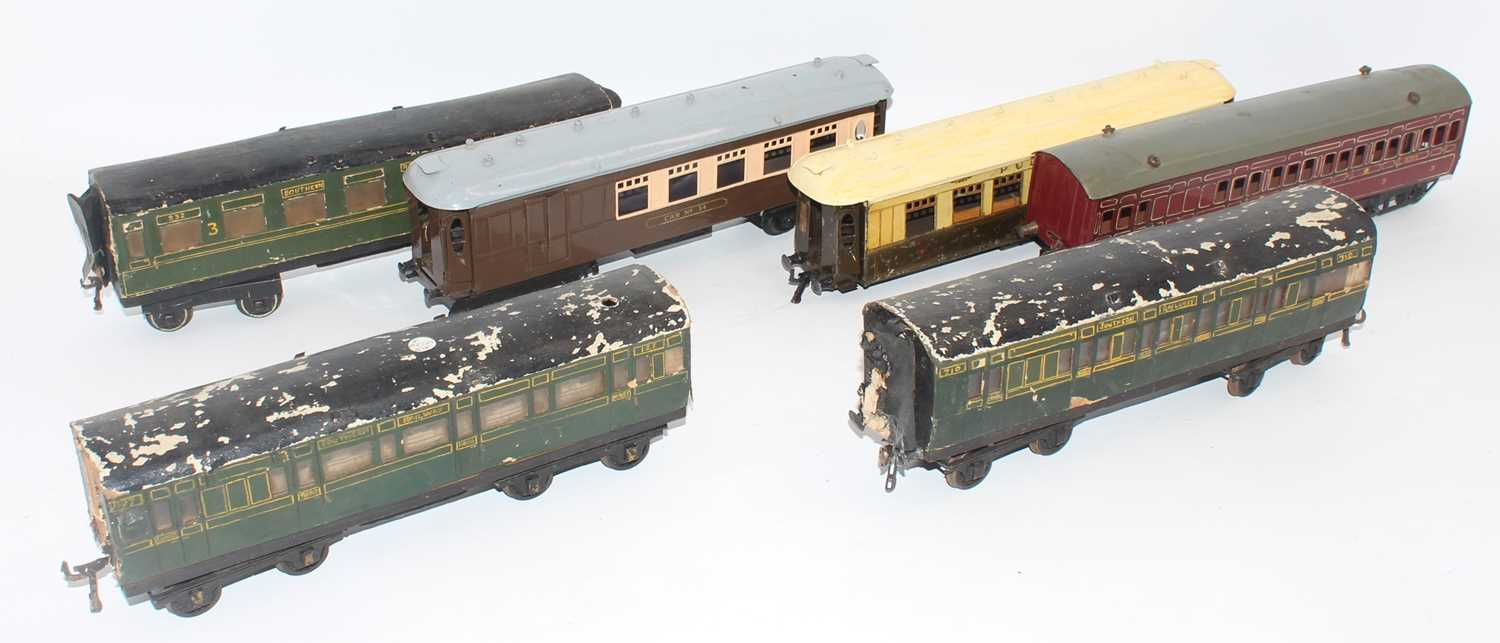 Tray of 6 bogie coaches: Hornby Metropolitan repained as LMS Br/3rd (G); Hornby No. 2: special